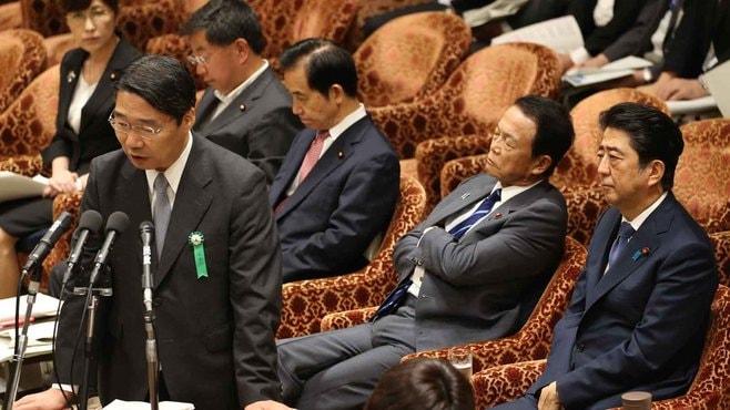 安倍首相、人事でダメなら「開き直り」解散か