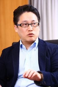 城繁幸 / 人事コンサルティング「Joe's Labo」代表取締役。 1973年生まれ。東京大学法学部卒業後、富士通入社。2004年独立。人事制度、採用等の各種雇用問題において、「若者の視点」を取り入れたユニークな意見を各種メディアで発信中。