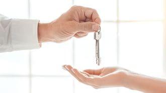住宅難の英国で増える「セクハラ大家」の行状