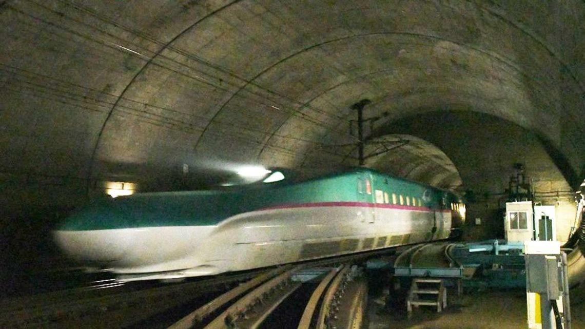 青函トンネル30年、新幹線が直面...