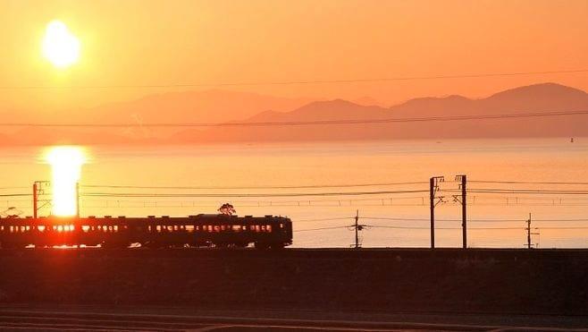 正月のお楽しみ!初詣・初日の出列車10選
