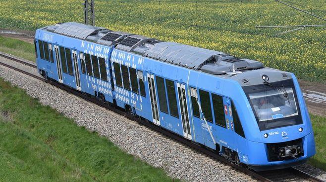 世界初「水素エネルギー列車」は成功するのか