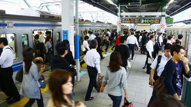 「満員電車ゼロ」に時差通勤はどれだけ有効か