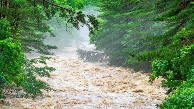 豪雨から身を守るには「雨水の行方」を知るべきだ