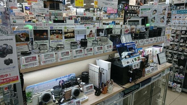 オリンパス撤退、深刻化するカメラ市場の苦境
