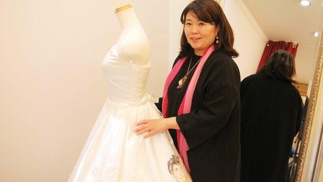 「光るウェディングドレス」作る45歳女性の人生