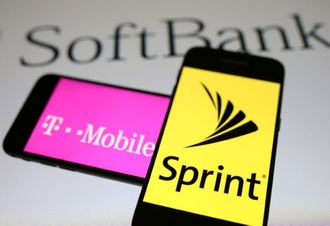 Sprint, T-Mobile restart deal talks: WSJ