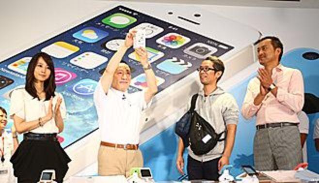 ドコモ参戦、新型iPhoneの皮算用