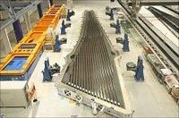 三菱重工業がボーイング787向け主翼製造工程など、「名航」心臓部を公開