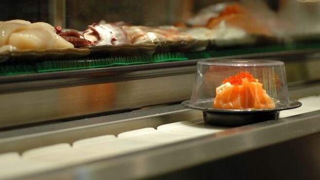 外食チェーン各社、コロナ勝敗を占う2つのカギ
