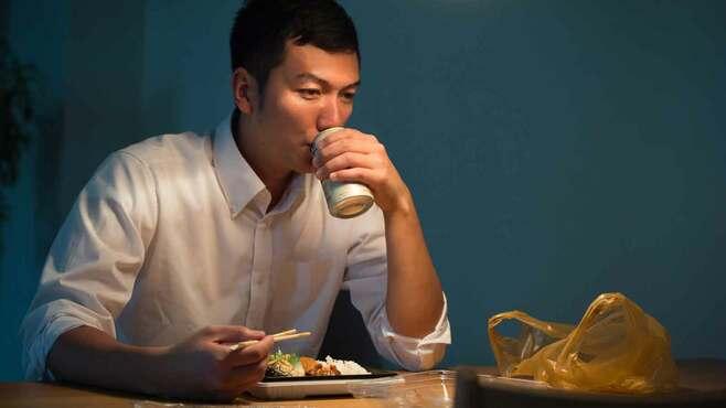 「あまりにも孤独に慣れすぎた日本人」の超危険