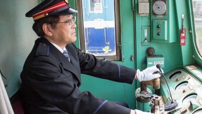 銚子電鉄、社長が自ら「運転士」を兼ねる台所事情
