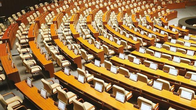 韓国の政党は「空手形」ばかり乱発している